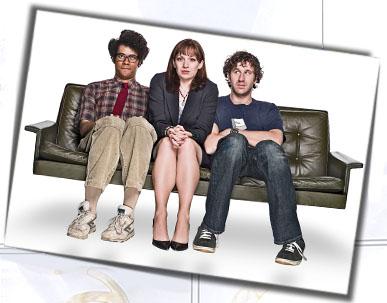 the_it_crowd_s2_press_sofa_2.jpg